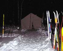 22008-full-moon-tent-wskiss.jpg